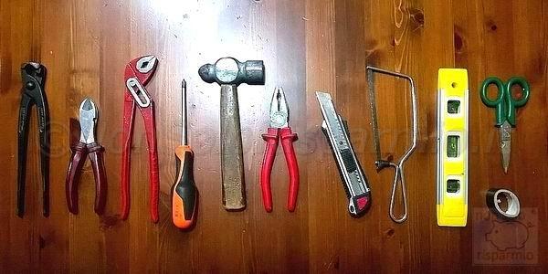 Kit base della cassetta degli attrezzi (foto M. Cuomo - www.nonsolorisparmio.it)