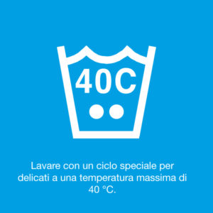 Lavare con un ciclo speciale per delicati a una temperatura massima di 40°