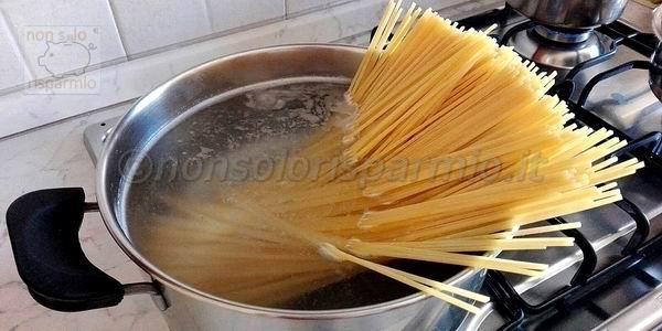 Tempo di cottura della pasta (foto M. Cuomo - www.nonsolorisparmio.it)
