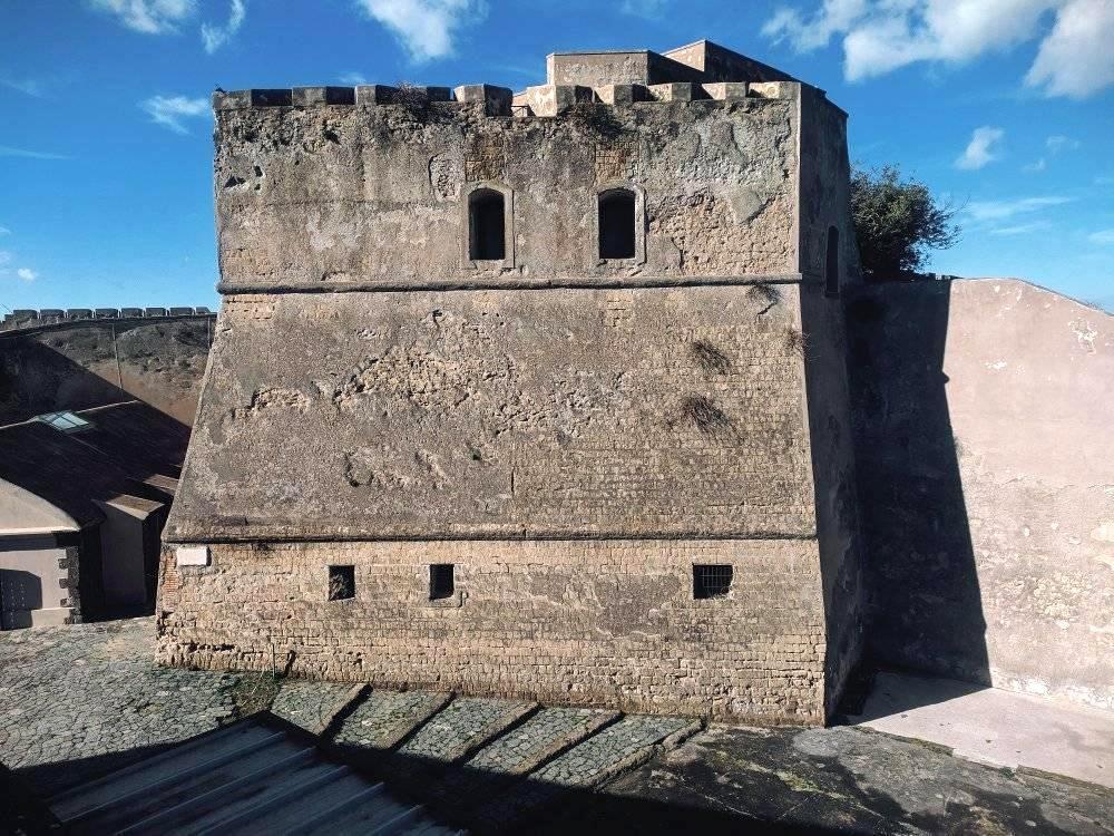 Castello di Baia (foto Maurizio Cuomo da Spunti di Viaggio)
