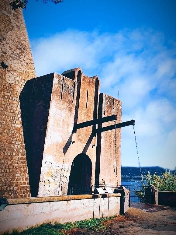 Castello di Baia - ingresso (foto Maurizio Cuomo da Spunti di Viaggio)