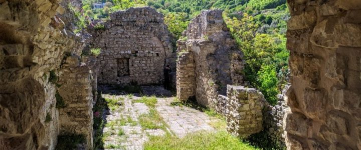 Castello Normanno di Laviano – Viaggiare in Economia