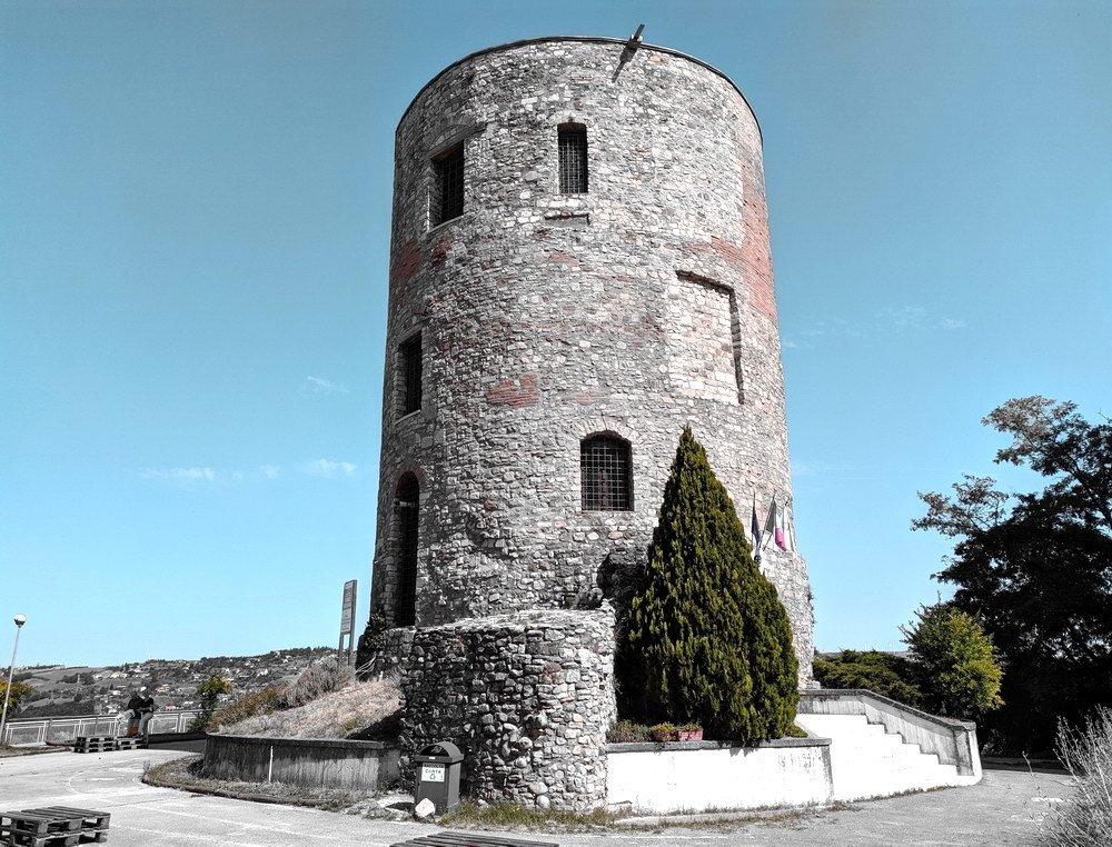 Torre Guevara - Potenza (foto Maurizio Cuomo - Spunti di Viaggio)